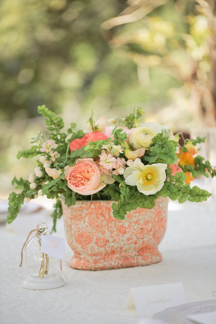 Garden rose #centerpiece | Photography: www.carliestatsky.com | Styling: www.engagedandinspired.com | Floral Design: www.floraltheory.com