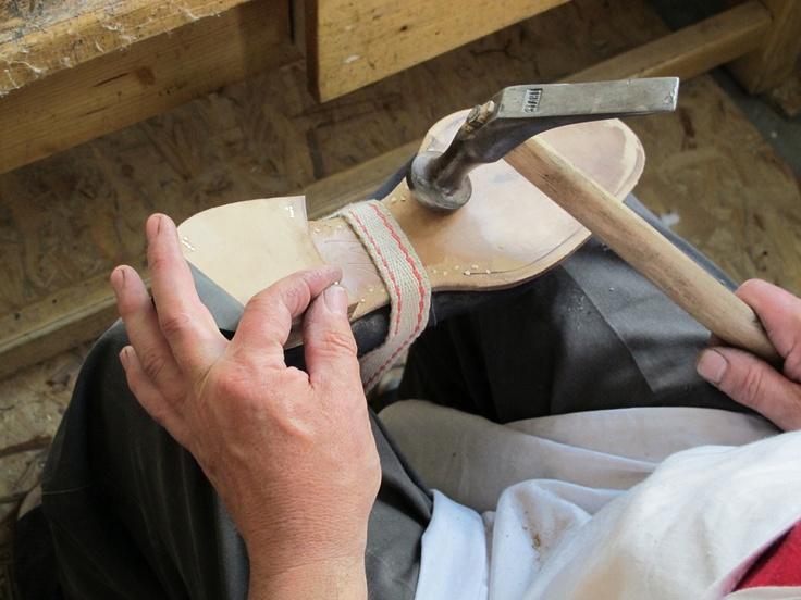 Wooden pegged waist