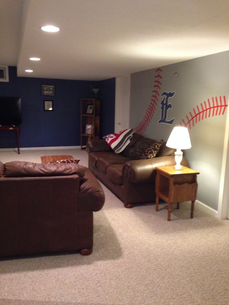 Best 25 baseball man caves ideas on pinterest man cave for Decorations man cave