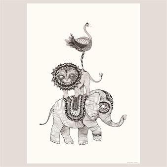 Plakaten Africa fra Mini Empire er en personlig tolkning i linjer av Afrikas dyr. Det grafiske og lekne passer like bra hos barna som i dagligstua.