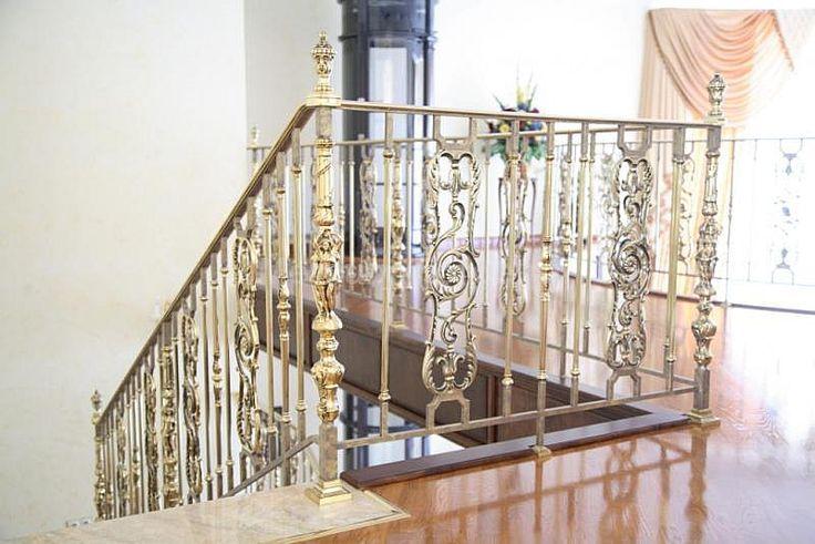 Grande forge, серия ROYAL, ограждение со стойками из латуни - «Mercury Forge» #stairs #decor #home #grandeforge #royal #mercuryforge #лестницы #ограждения #роял #москва #дом #интерьер