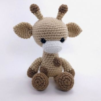 Adorable Giraffe amigurumi pattern by Theresas Crochet Shop