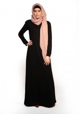 1f15436a645 Robe longue noir d hiver coupe évasée pour femmes musulmanes boutique hijab  pas cher simple
