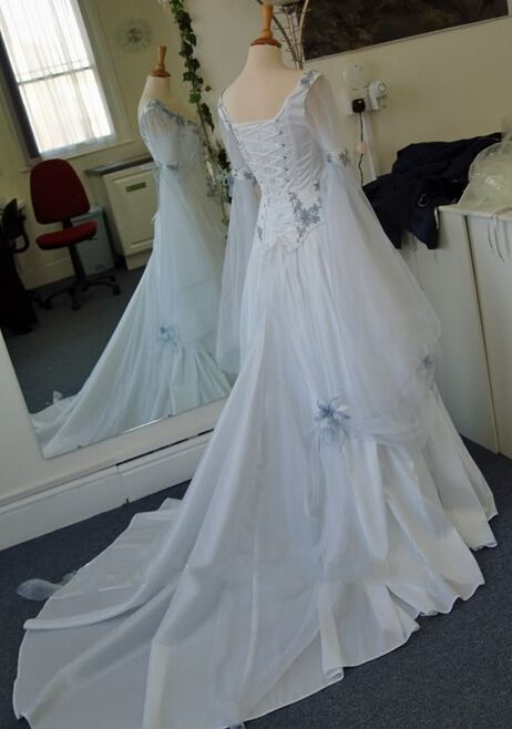 Directsale Embroidered A-Line Long Sleeve Traditional Celtic A-Line Wedding Dress Free Measurement