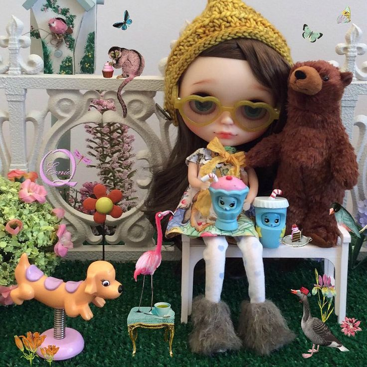 """107 Likes, 1 Comments - Eenie Q (@eenieqdolls) on Instagram: """"Don't worry bear. I am sure they're all harmless.  #picnic #wonderland #blythe #doll…"""""""