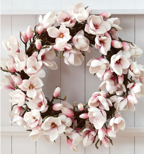 Magnolia wreath... I'm going to do this with silk flowers, Karen Grimsey