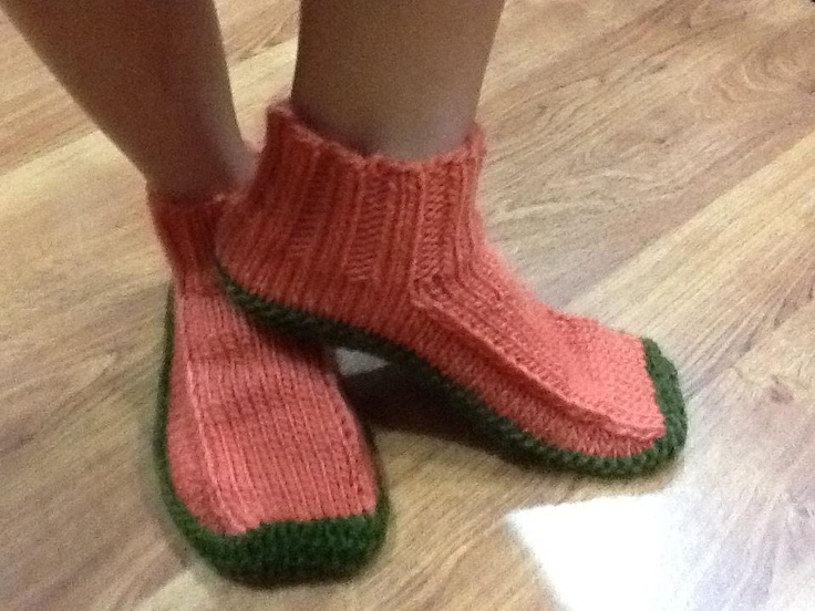 Free Knitting Pattern For Felted Slippers : Non-Felted Slipper Pattern - free on-line knitting ...