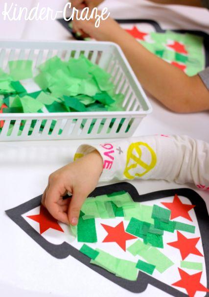 Papierschnipsel + Sterne = Weihnachtsbaum