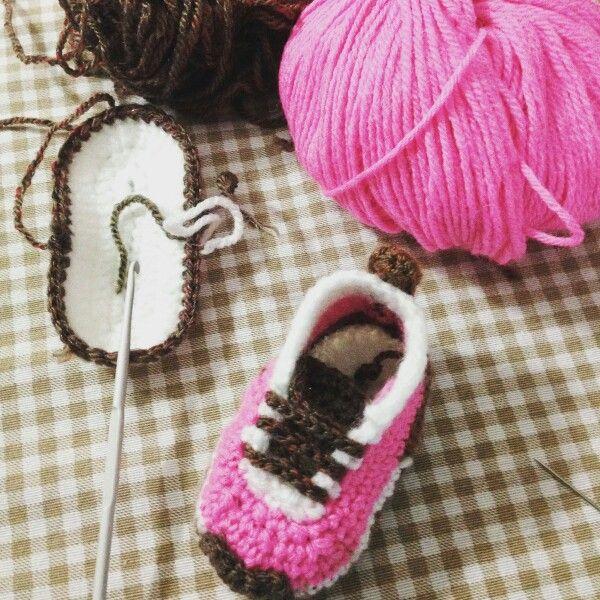 Scarpette boots crochet ganchillo uncinetto shoes bimbi baby ninõs Firmato borseefilati crochet ♥