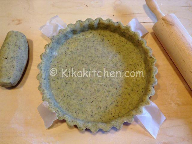 La pasta frolla al pistacchio è una ricetta base, una deliziosa variante della classica pasta frolla, ideale per realizzare crostate..