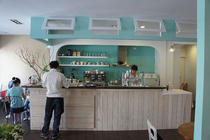 蕾蕾咖啡:夢幻的湖水綠