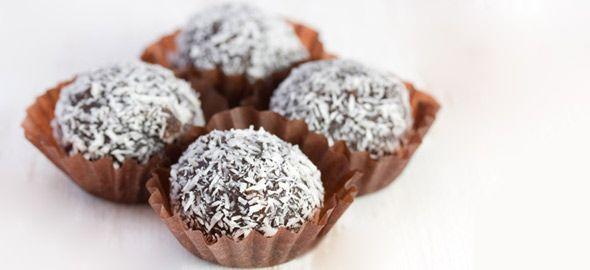 Η αγαπημένη σας απόλαυση, η σοκολάτα δεν υπάρχει λόγος να λείπει από τη νηστεία σας! Δείτε πώς θα φτιάξετε 5 αγαπημένα σας σοκολατένια γλυκά, νηστίσιμα.