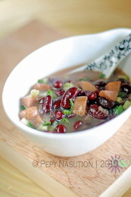 Sup Brenebon (Manado Red Kidney Bean Soup) @Stephanie Wang | Indonesia Eats