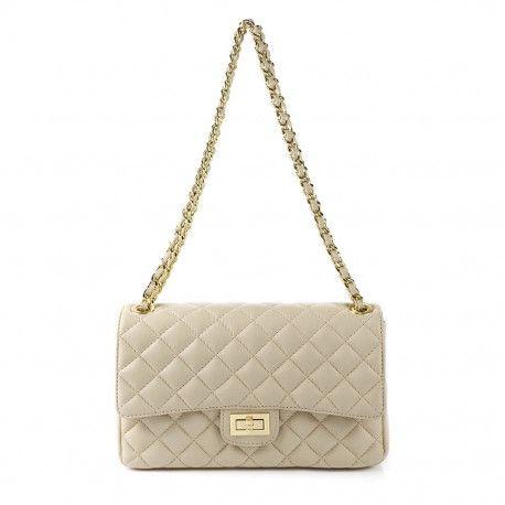 Stylewear - Lækker Mila blu taske af høj kvalitet til kun 1300,- tjek gerne vores hjemmeside ud hvor vi ofte kører tilbud på vores tøj og tasker. Hvis du vil se flere billeder af denne italienske lædertaske så tjek gerne stylewear.dk ud