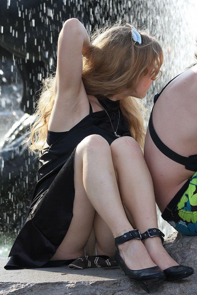 Teenagers upskirt — photo 14