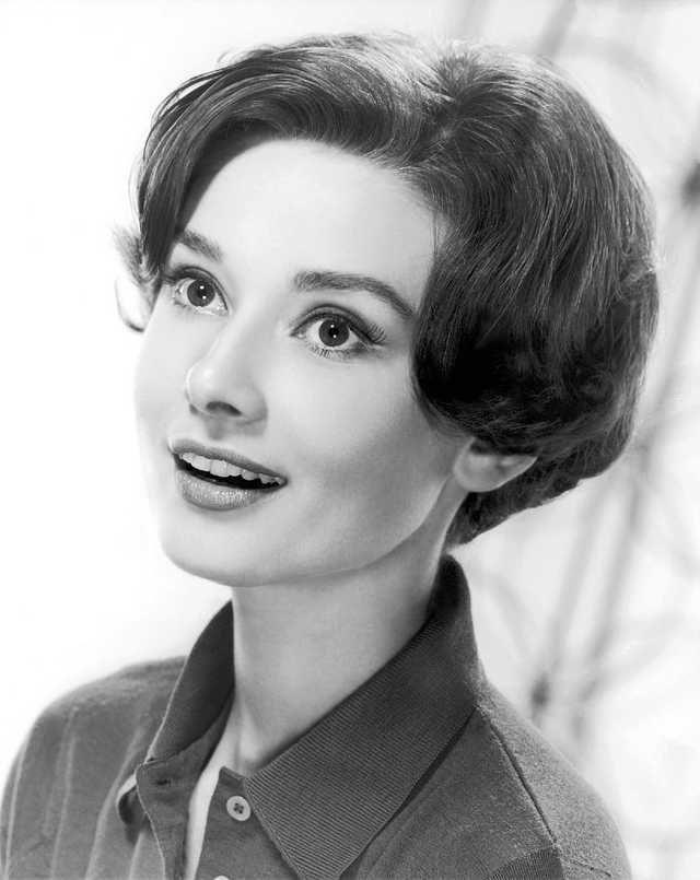 Audrey Hepburn Is A Badass And Not Enough People Know Audrey Hepburn Photos Audrey Hepburn Audrey Hepburn Images
