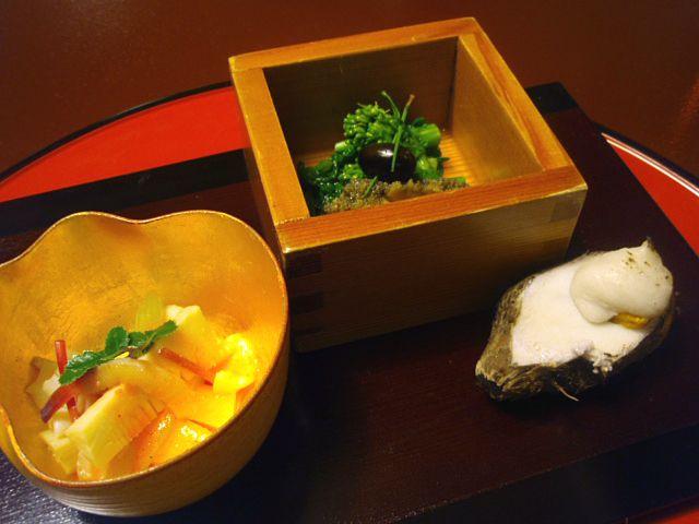 とうふ屋うかい - 海老芋の雲丹焼き、みる貝の梅山葵、菜の花からし和え、やわらか鮑