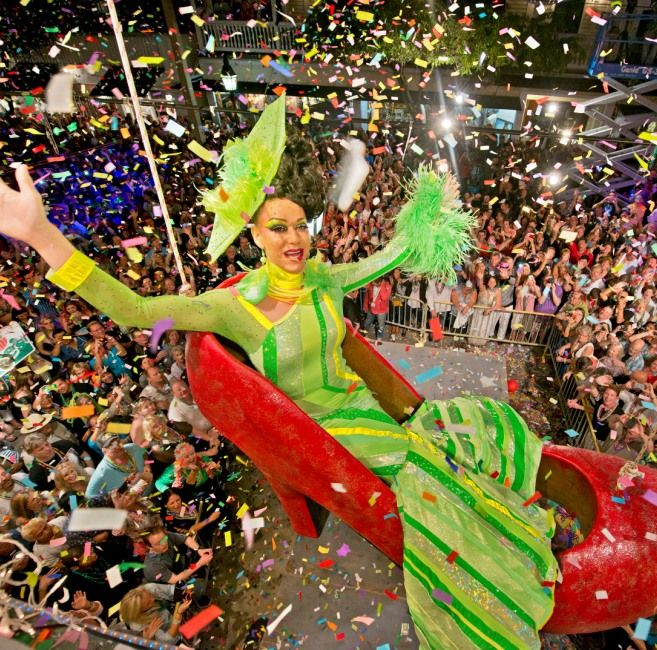 Key West is so fun and exciting onNew Years Eve that they put us on CNN! There are lot's of special menus, seatings and themes happening at some of our favoritelocal spots such as theSouthernmost Beach Café, Kelly's Caribbean Bar & Brewery, the Marriott Beachside Masquerade BallandOne Duval at the Pier House. Duval Street will …