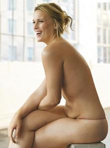 Lizzie Miller, 20 ans, a une taille 42 et est mannequin plus-size (mannequin rond). Pourtant, le monde de la mode la trouve trop grosse pour faire du mannequinat pour rondes.