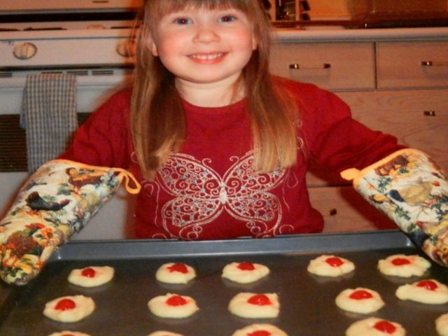 If you were reading this blog last Christmas you may recall my post on Shortbread cookies.  I absolutely love shortbread and love finding a *new to me* recipe to try each year.  Some of you may als...