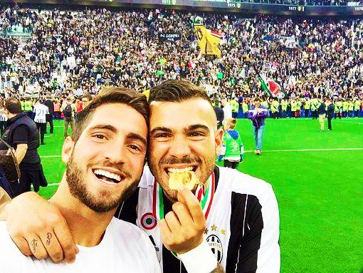 """""""Stefano Sturaro celebrated the Scudetto with his brother Fabio. """""""