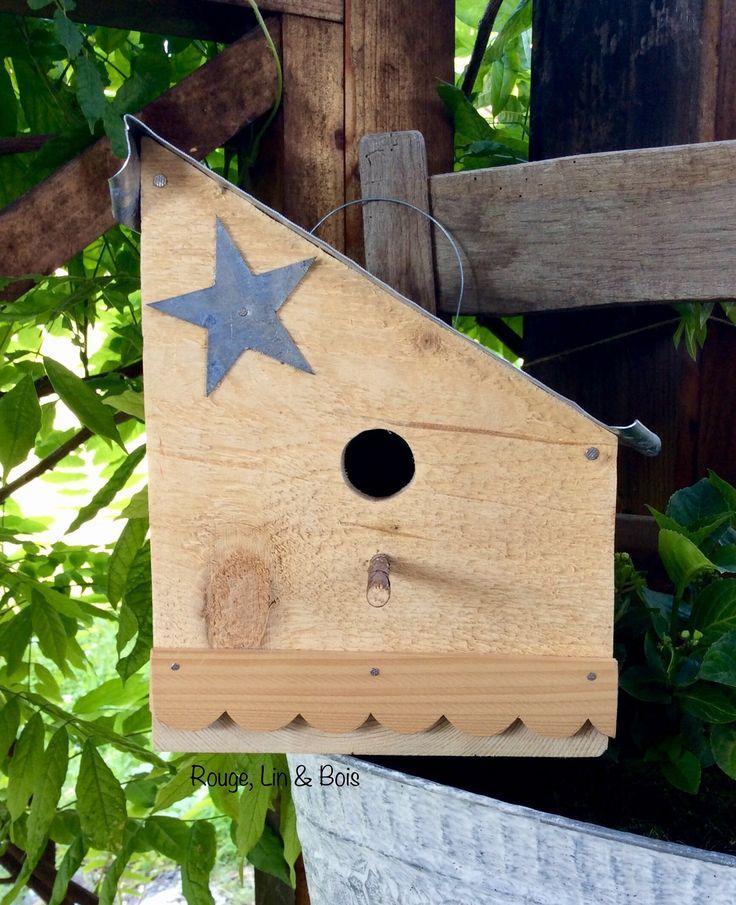 Nichoir en bois de pin toiture et étoile zinc et ouverture ronde : Accessoires de maison par rouge-lin-et-bois