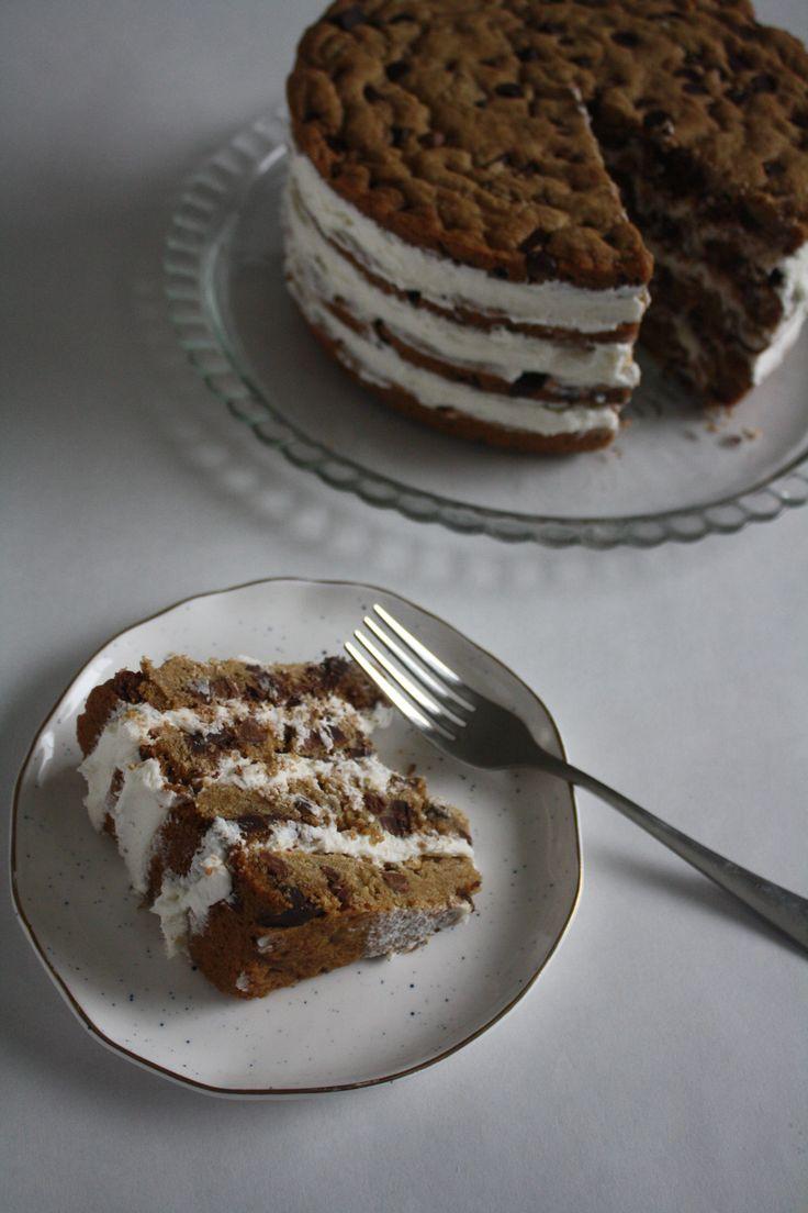 Chocolate Chip Cookie Cake | anjleeparmar.com