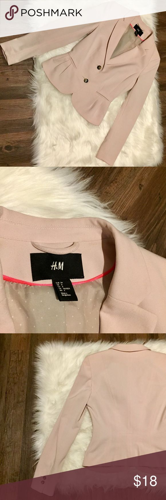 H&M Light Pink Blazer w Tortoise Buttons Light pink blazer, size 4. Gently used, perfect condition. White polka dots inside on tan lining. Long sleeves (full length. Runs true to size. H&M Jackets & Coats Blazers