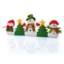 Se la casa è un po' fredda e i soliti anonimi paraspifferi ti hanno stancata, ecco questo tenerissimo pupazzo nella forma dei classici personaggi natalizi.  La tua sarà la casa più calda e accogliente!