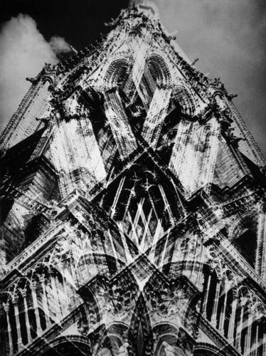 Notre Dames de Paris - 1939 par Raoul Hausmann