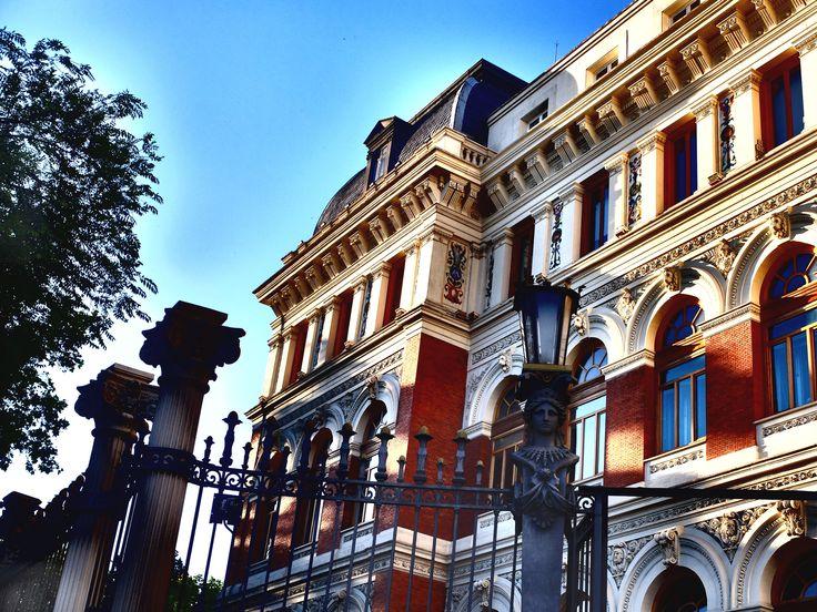 Palacio de Fomento. Fachada de clara inspiración renacentista