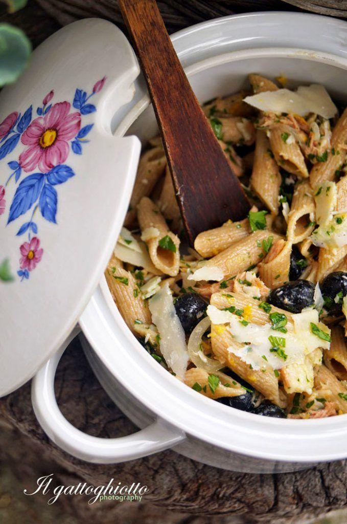 Schiacciata di patate e tonno con salsa alle erbe | Sale&Pepe