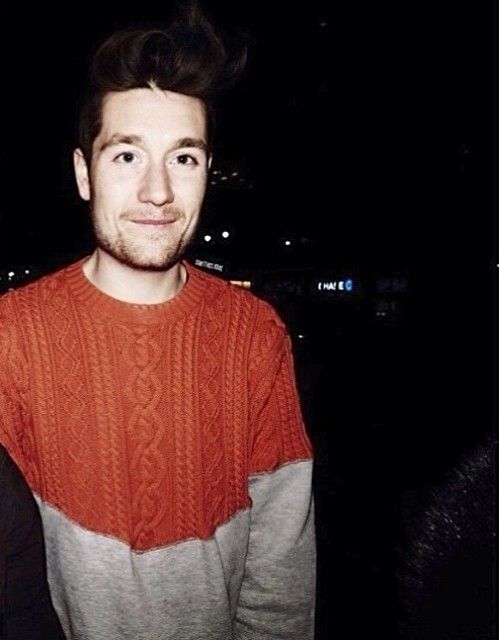 His sweaters though #dansmith #bastille