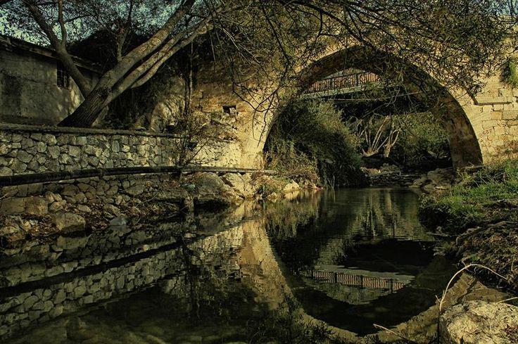 Karaman - Yeşildere beldesinde bulunan tarihi Akköprü... Fotoğraf: İbrahim Savran