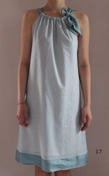 Knielanges Kleid mit Futter, ohne Reissverschluss  Kann auch als Oberteil bestellt werden  Modelle, Farben oder Muster im Shop  Bitte bei der Bestellu