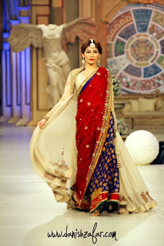 Modern twist on a traditional saree by Asifa & Nabeel ~ South Asian Fashion