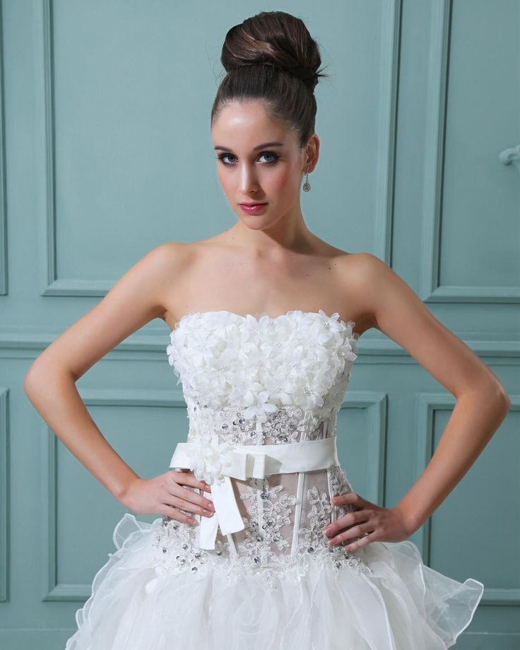 Ruffle Strapless Short Bridal Gown Wedding Dress  A-line/Princess,High-Low,Natural,Sweep/Brush Train,Strapless,Sleeveless,Appliques,Hand Made Flowers,Ruffles,Zipper,Organza,Beach/Destination,Garden/Outdoor,Spring,Summer,Fall,