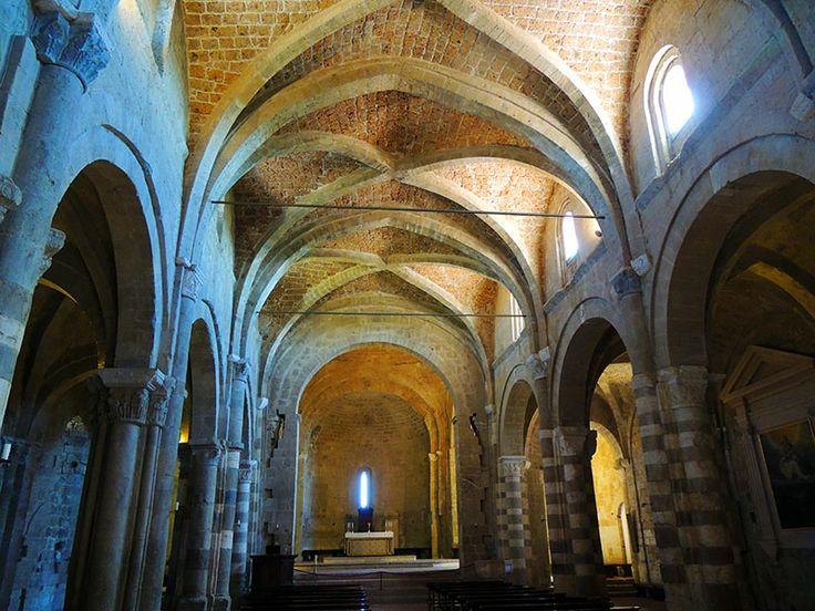 Sovana, Tuscany - Duomo-interior  #sovana, #tuscany