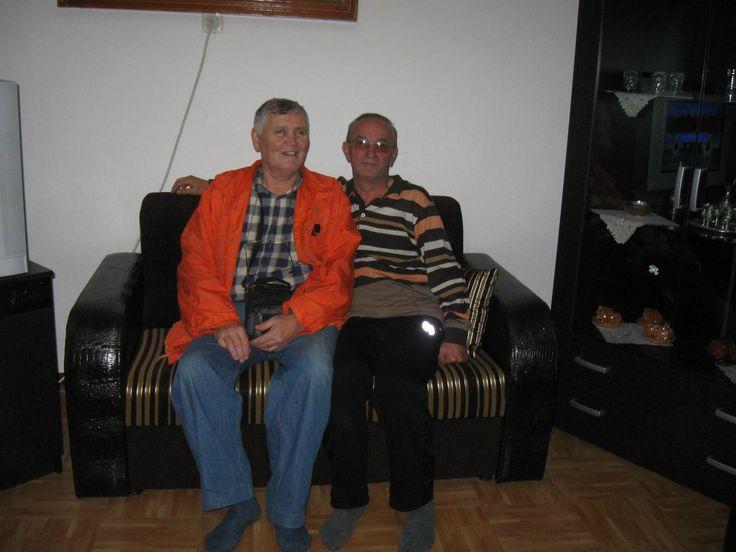 Tunçbilek'te servis arkadaşım;Fahrettin Şumnulu'nun evinde.Son uğradığımda,kendisi Tunçbilek'te çalışmaya devam ediyordu.