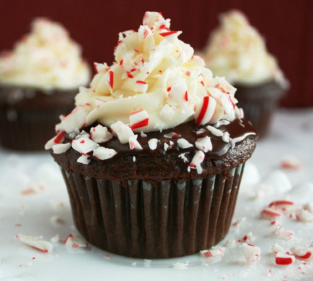 Peppermint Chocolate Cupcakes with Chocolate Ganache and Peppermint ...