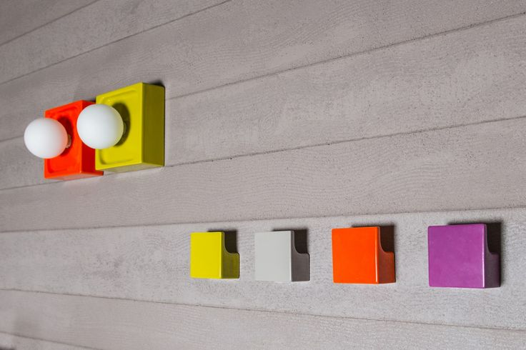 Regia - Appendiabiti colorati, divertenti e che offrono infinite possibilità di combinazioni cromatiche.