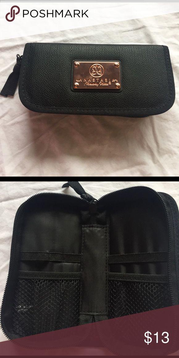 New Anastasia Makeup Bag! New Anastasia eyebrow tools makeup bag. Sephora Makeup