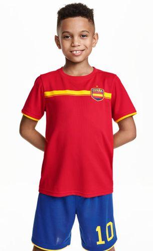 4473dab26a47b H M camiseta manga cortas y pantalón corto de fútbol España para niños