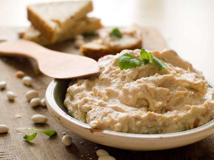 Το χούμους είναι δημοφιλές στις χώρες της Μέσης Ανατολής. Αυτή η τροφή αποτελεί μια καλή επιλογή ως σνακ ή ως ελαφρύ γεύμα.