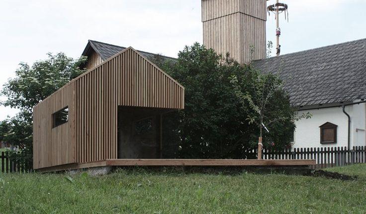 Das Gartenhaus 2punkt5 zeigt eine klare Formensprache mitregionalem Bezug. Das Objekt wurde im Maßstab von 1:2.5 einesgeplanten Bauprojektes realisiert. Der massive Holzaufbau bestehtaus einer Sperrholzplatte. Die Fassade wird mittels...