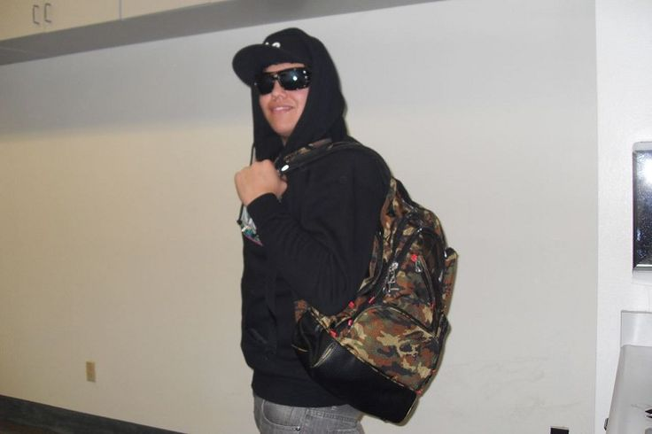 Rome, lead singer of Sublime, with his ful bag