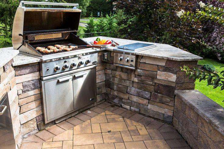 Die Installation ist schnell und einfach. Nehmen Sie Ihre Schürzen an und grillen Sie Ihre eigenen Cambridge Pavingstones mit dem ArmorTec Küchen-Set! Auftragnehmer…