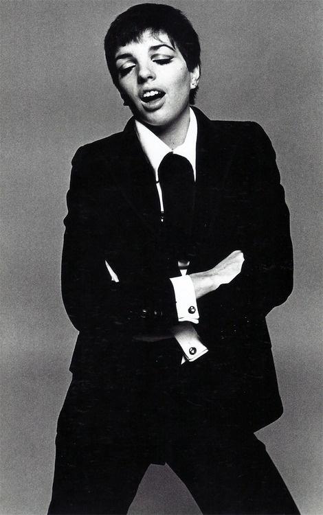 Kibbe Flamboyant Gamine: Liza Minnelli