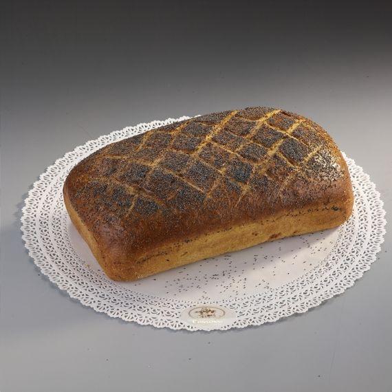 Chleb wiejski Kształtem i smakiem nawiązuje do starych tradycji piekarniczych. Mieszany z maki pszennej i żytniej, obficie obsypany makiem.