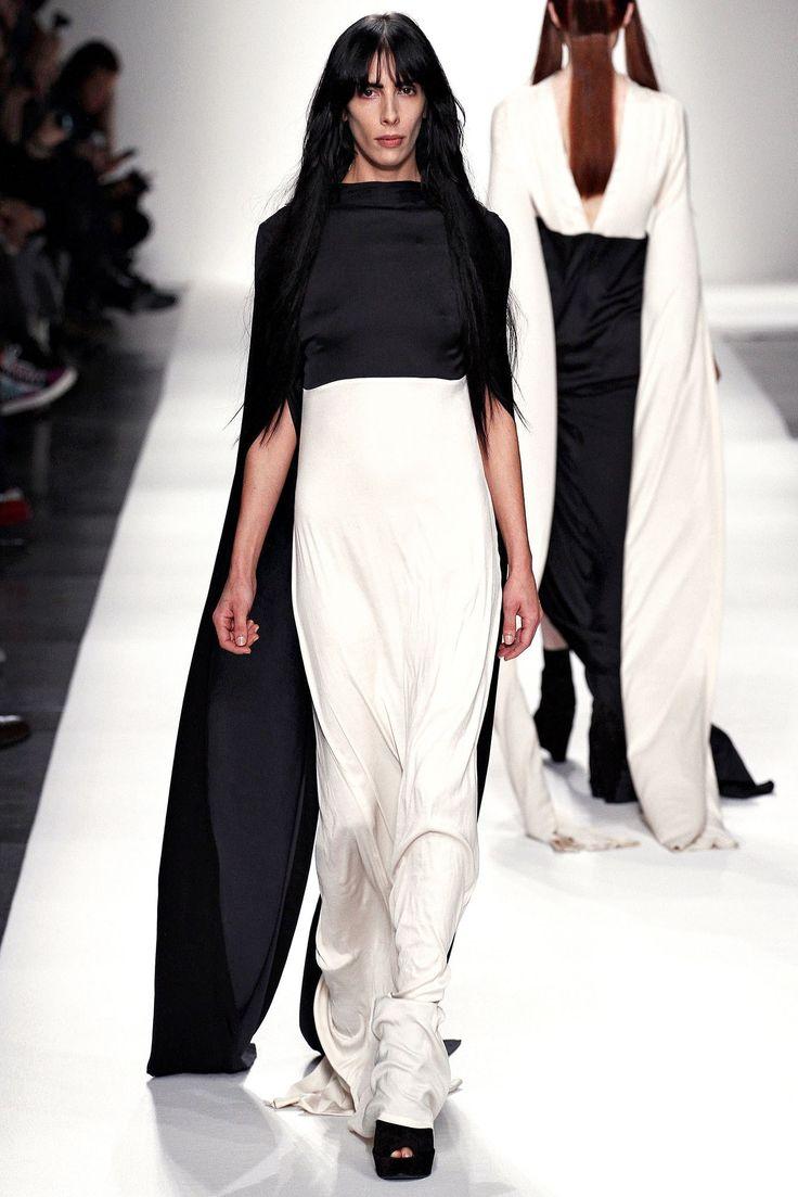 Ann Demeulemeester Spring 2013 Ready-to-Wear Fashion Show - Jamie Bochert (OUI)